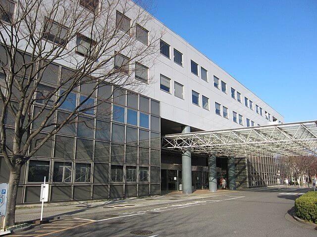 東部地域病院の外観